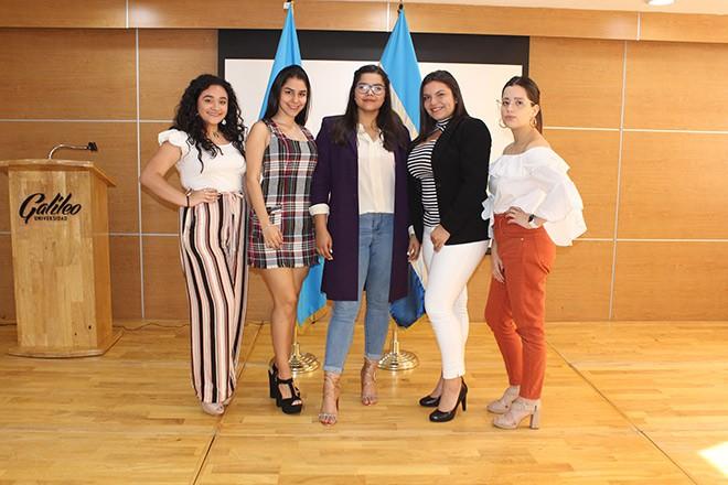 Imagen: Estudiantes organizan Pasarela sobre imagen profesional