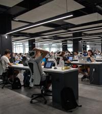 Imagen: 50 becas disponibles para estudiar una especialización en programación