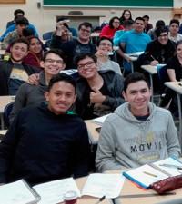 Imagen: Estudiantes de primer ingreso se introducen al mundo tecnológico GES