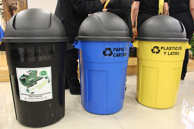 Imagen: Seminaristas donan 54 botes de reciclaje a U Galileo