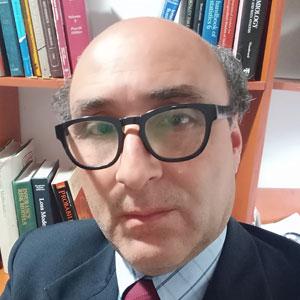 Mtr. Roberto Molina Cruz
