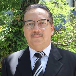 Dr. César Méndez Pinelo