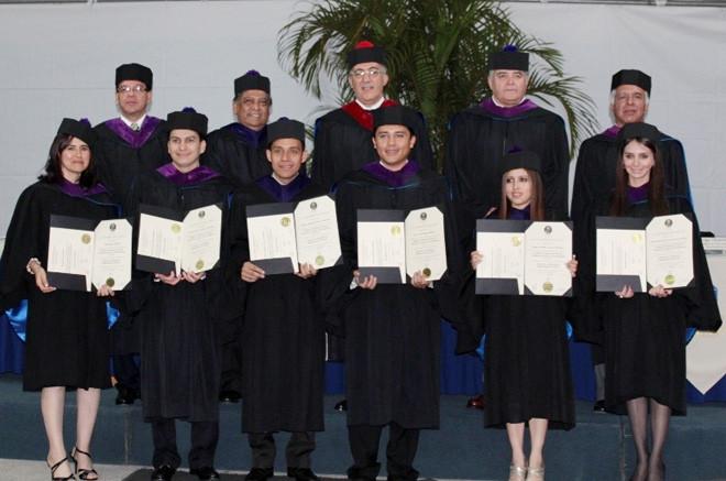 Imagen: Graduaciones, el saber nunca termina, esto es sólo el principio