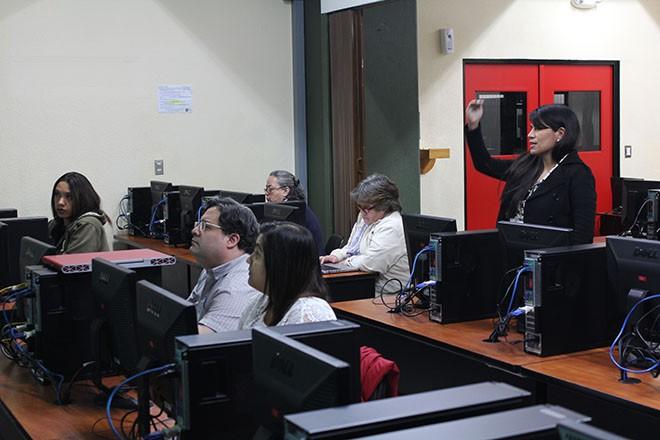 Imagen: Catedráticos completan talleres para gestionar cursos virtuales