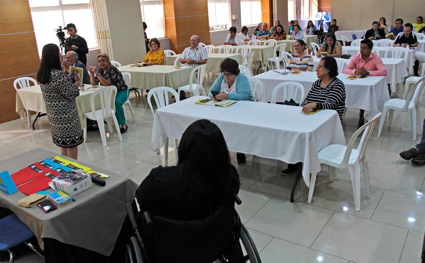 Por una educación inclusiva: Docentes de Facultad de Educación se actualizan en temas sobre inclusión educativa