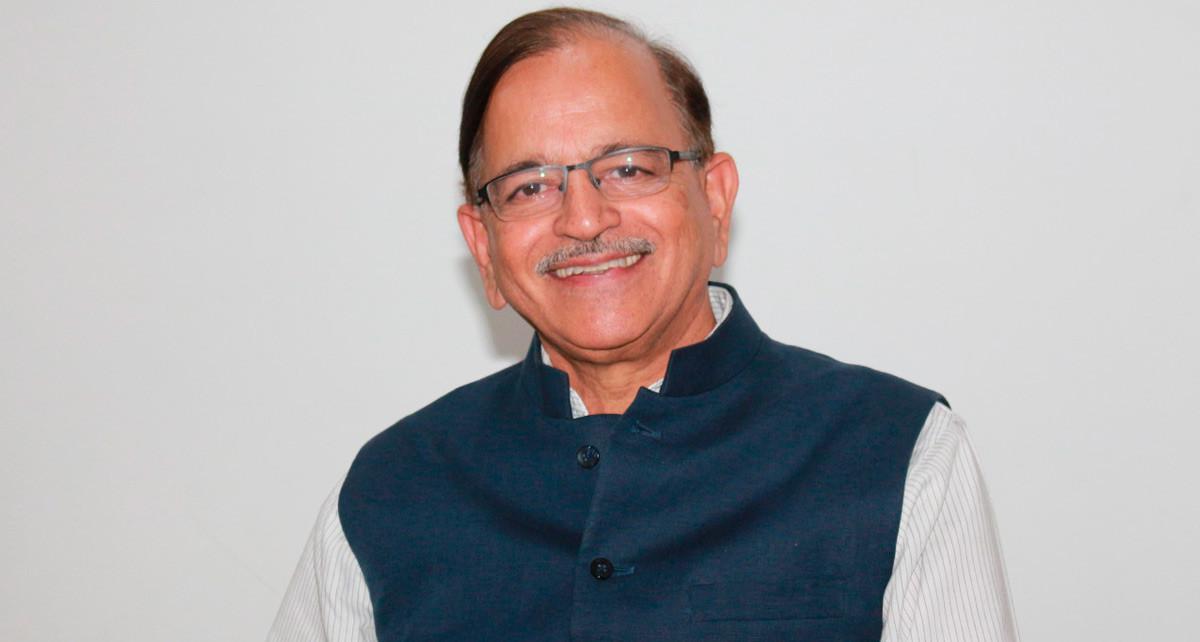 Imagen: Dr. Dhingra de India, comparte claves para el crecimiento económico de