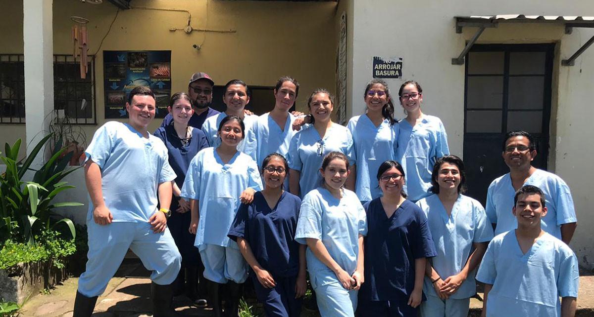 Imagen: Estudiantes visitan empresa Agronegocios S.A. y aprenden sobre