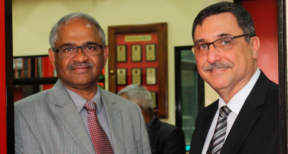 Imagen: Embajada de la India dona colección de libros sobre cultura de su país