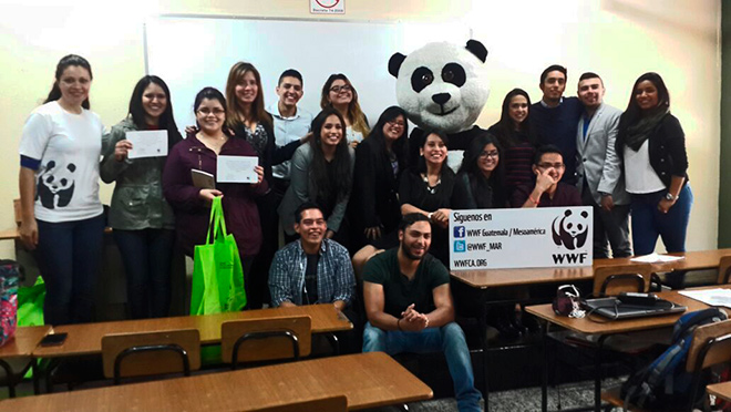 Imagen: Estudiantes participan en cuidado del medio ambiente