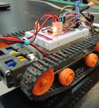 Imagen: Estudiantes aprenden a crear y programar Carros Inteligentes