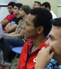 Imagen: Experto de IEEE Communication Society comparte con estudiantes sobre
