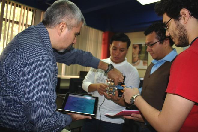 Imagen: Estudiantes crean supercomputadora para servicio de tecnologías de la