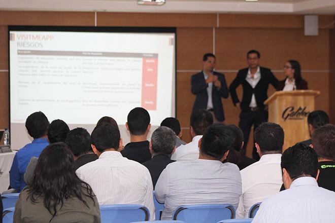 Imagen: Estudiantes aplican conocimientos para gestión de proyectos