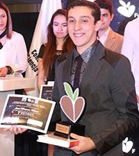 Imagen: Estudiante gana concurso con proyecto tecnológico para conocer sede de