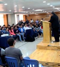 Imagen: Estudiantes de primer ingreso de ingenierías reciben bienvenida al