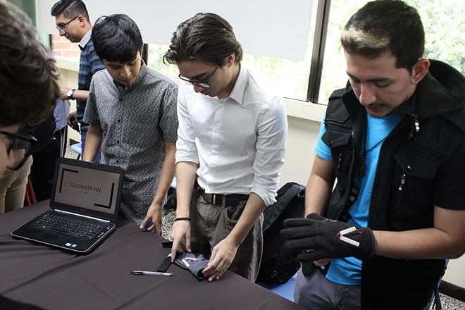 Imagen: Futuros ingenieros desarrollan habilidades en comunicación, protocolo