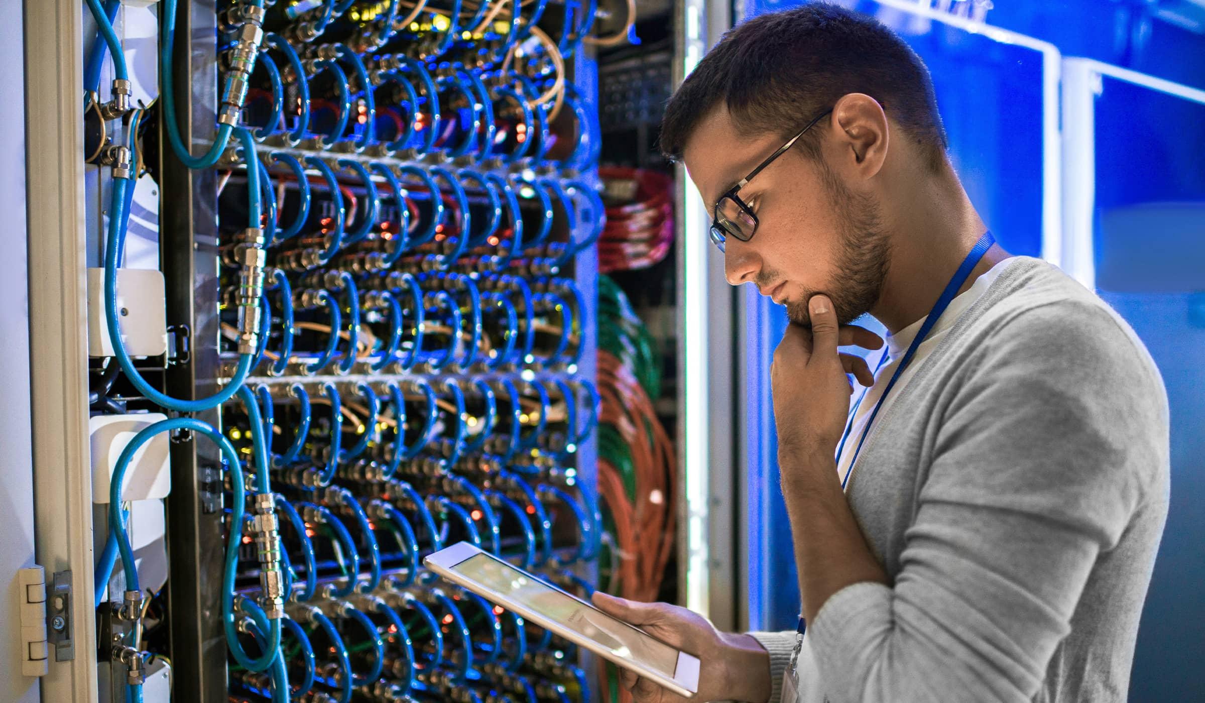 Ingeniería en Telecomunicaciones y Redes Teleinformáticas