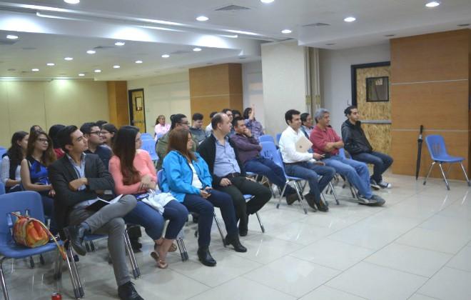 Imagen: Estudiantes de Astronomía participan en conferencia sobre Radioastronomía