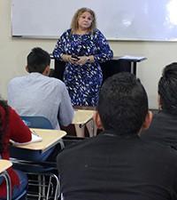 Imagen: INDE y Universidad Galleo capacitan a nuevos profesionales para el