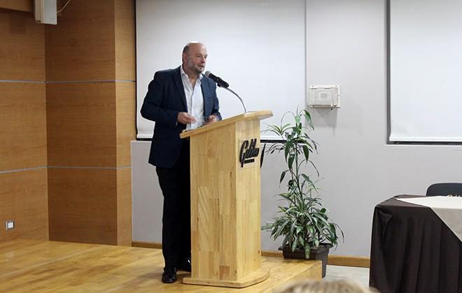 Imagen: Universidad de Cádiz brinda conferencia sobre plantas de energía solar