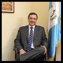 Dr. Iván Echeverría