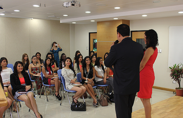 Imagen: U Galileo capacita a candidatas a Miss Guatemala Latina