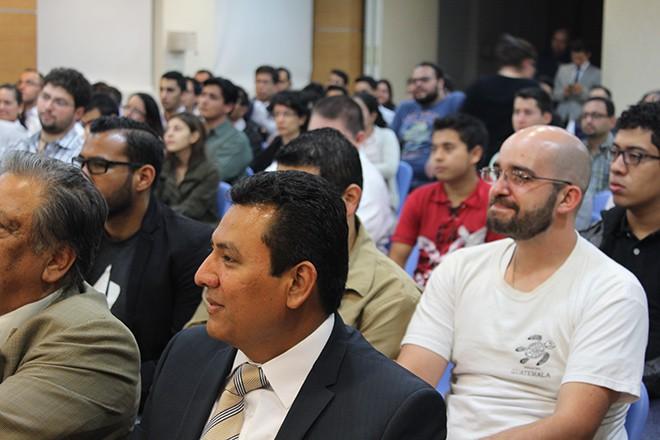 Imagen: Guatemalteco experto en emprendimiento motiva a estudiantes a ejecutar