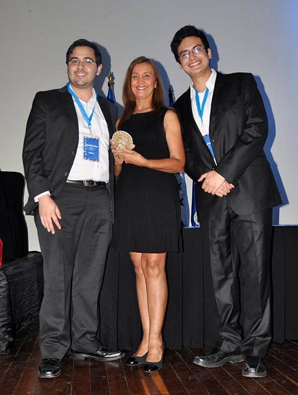 Imagen: Robot guatemalteco de Telepresencia logra primer lugar en Convención