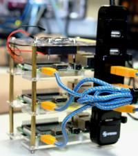 Imagen: Estudiantes crean supercomputadora para serviciosIT